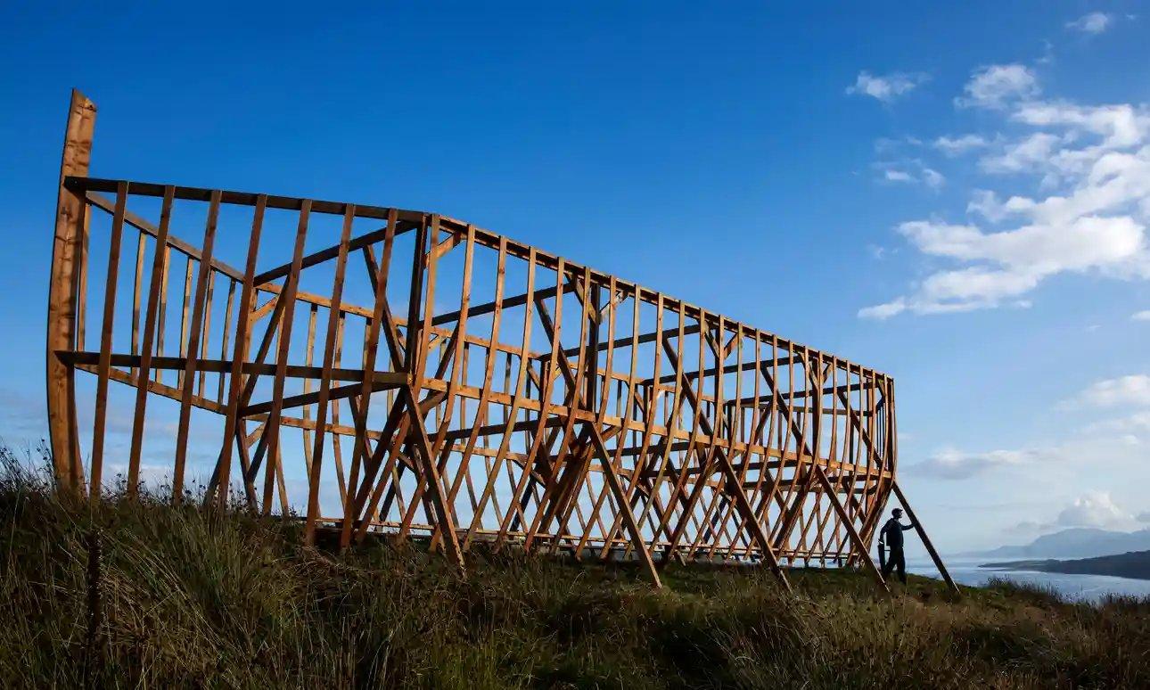 Шотландец построил огромный ковчег, протестуя против глобального потепления