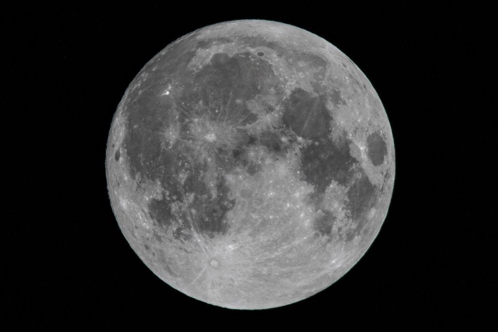 Раскрыта одна из загадок лунных кратеров