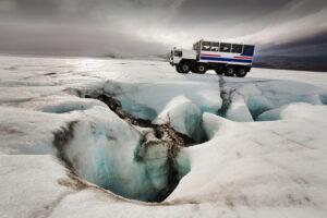 Таяние льда опасно для земной коры