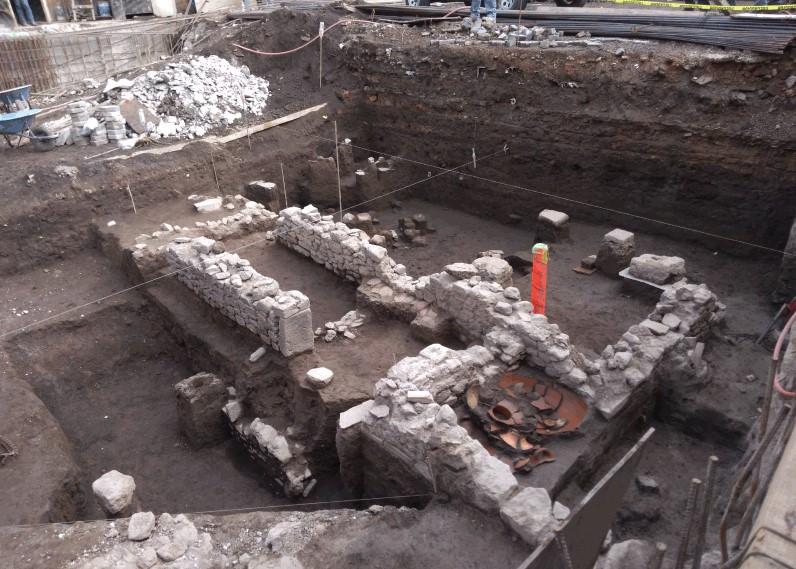 В Мексике нашли ацтекское захоронение ребенка под тарелкой и с ножом в голове.Вокруг Света. Украина