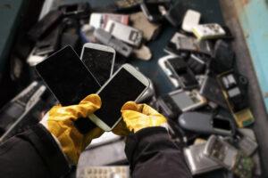 Электронный мусор на Земле скоро будет весить больше Великой Китайской стены