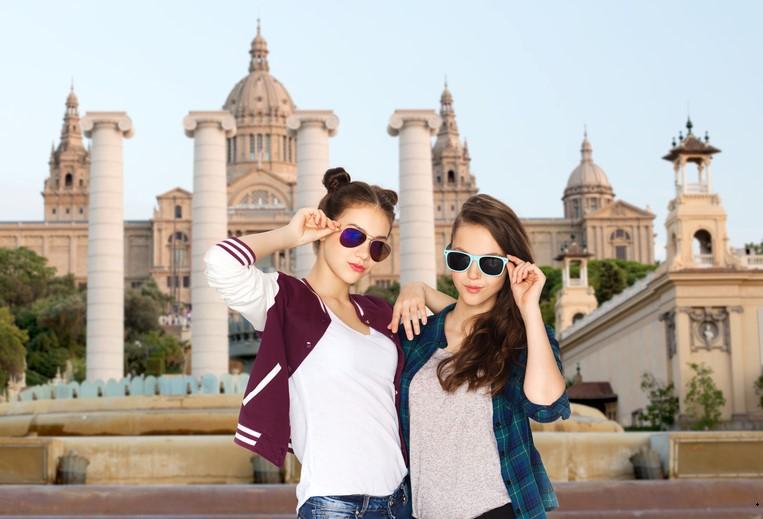 В Испании подросткам на совершеннолетие будут дарить 400 евро на культуру.Вокруг Света. Украина