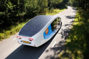 Эко-дом мечты: первый кемпер на солнечной энергии колесит по Европе